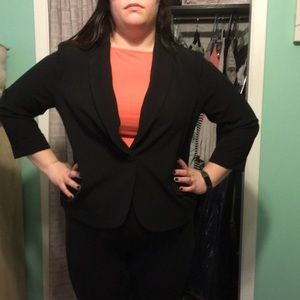 Black blazer 3/4 sleeve